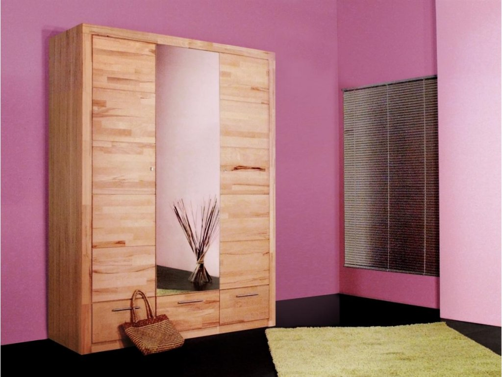 Masivní skříně – luxus, jistota a kvalita