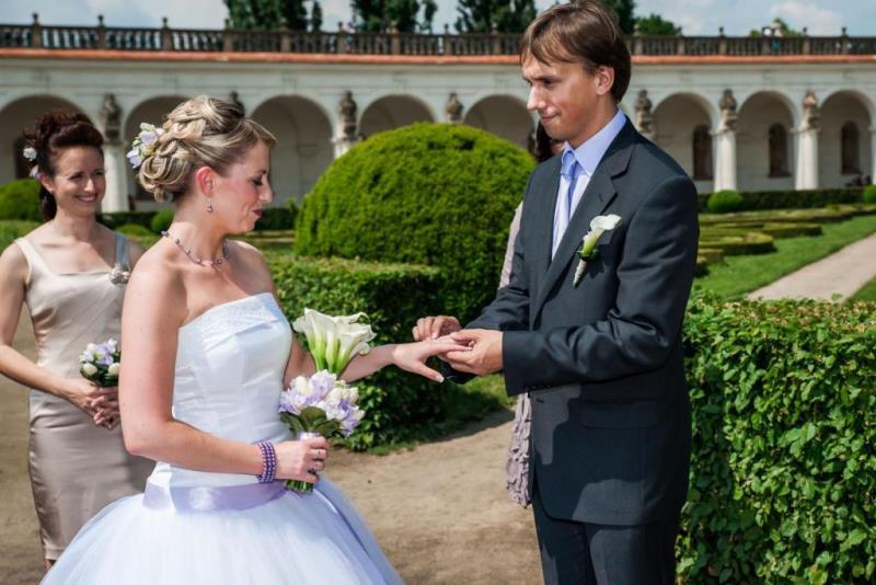 Svatební den na zámku s fotografem